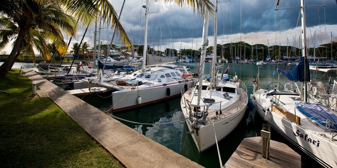 Slider 4 – Yachts in Basin